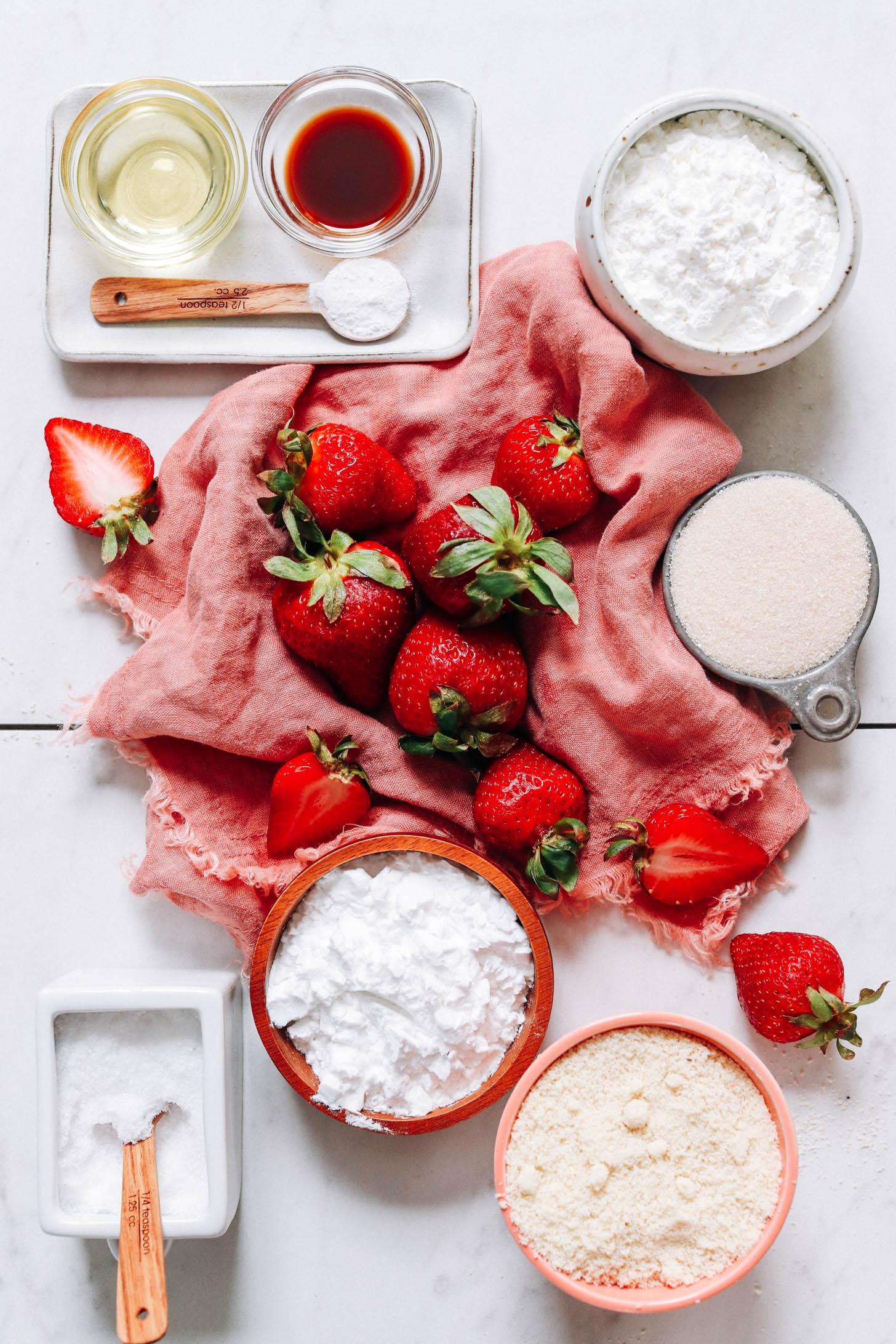 Avocado oil, vanilla, strawberries, baking powder, potato starch, cane sugar, salt, and almond flour
