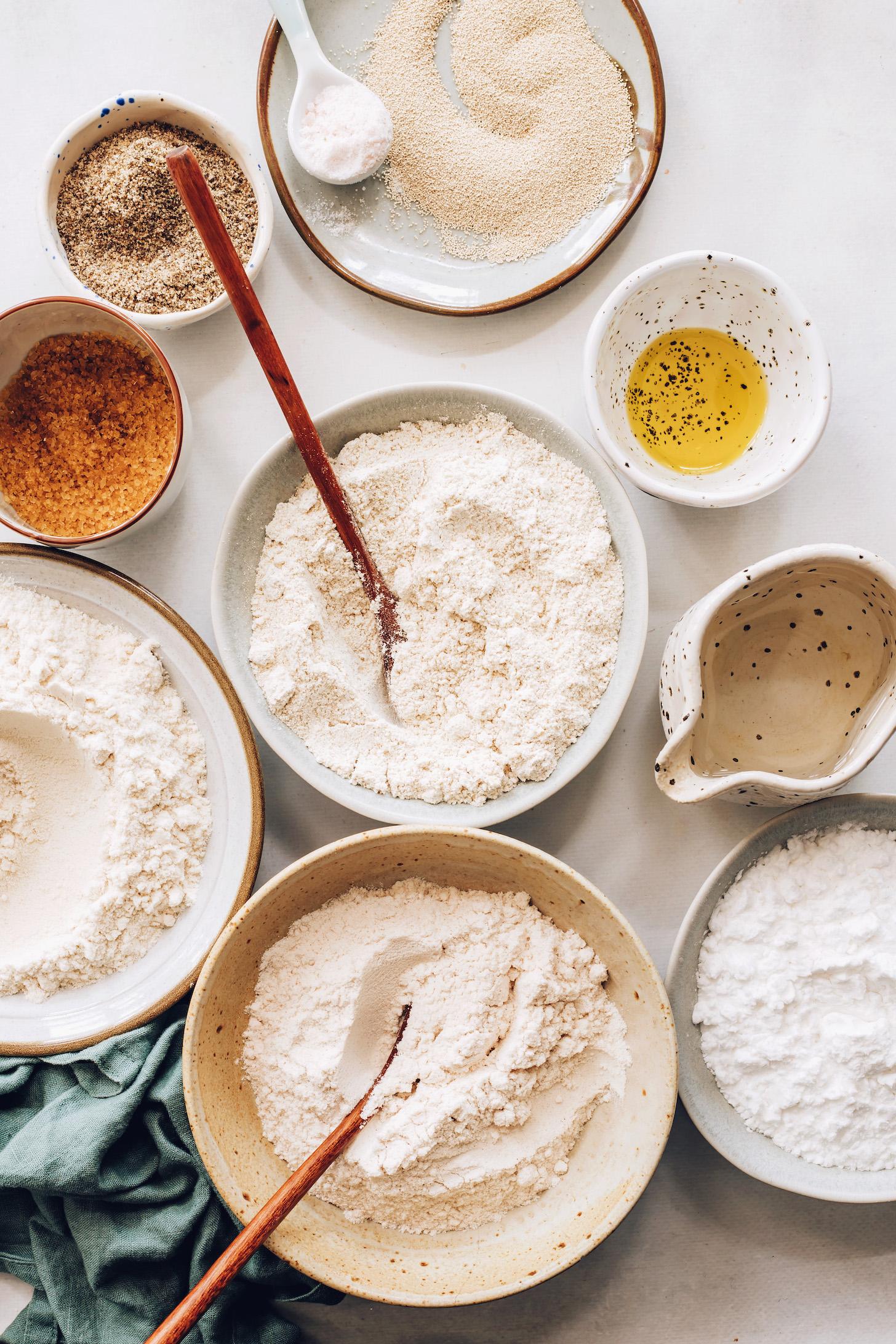 Avokado yağı, su, maya, tuz ve glutensiz unlar