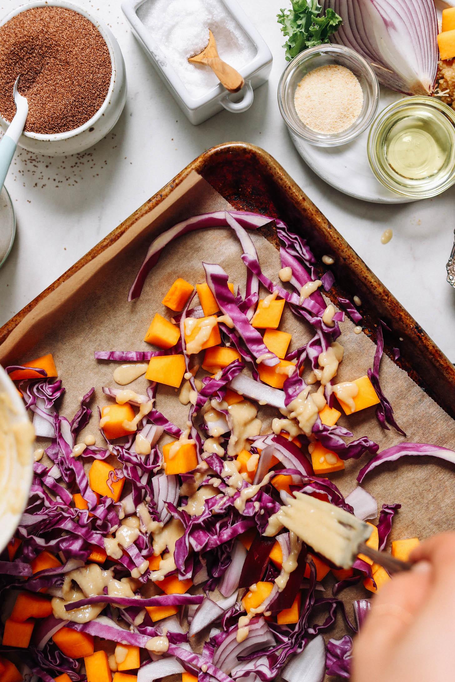 Arroser de chou, de courge et d'oignons à la sauce miso