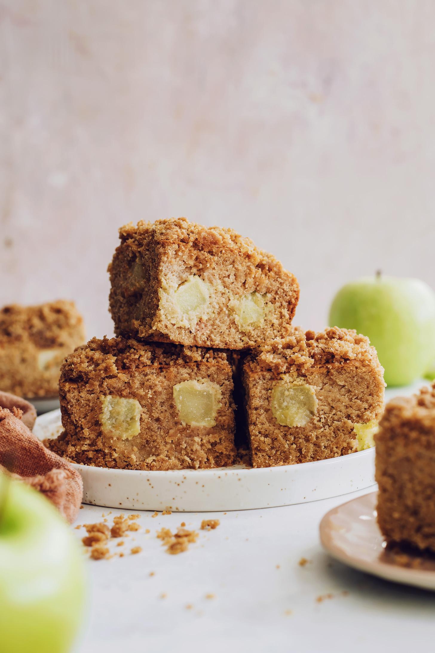 Glutensiz vegan elmalı kahveli kek kareleri